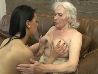 vielles salopes com tres vieilles lesbiennes
