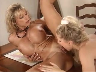 Mature lesbiennes nue