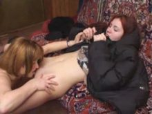 lesbienne-russe-jeune-chatte-poilue-cunnilingus